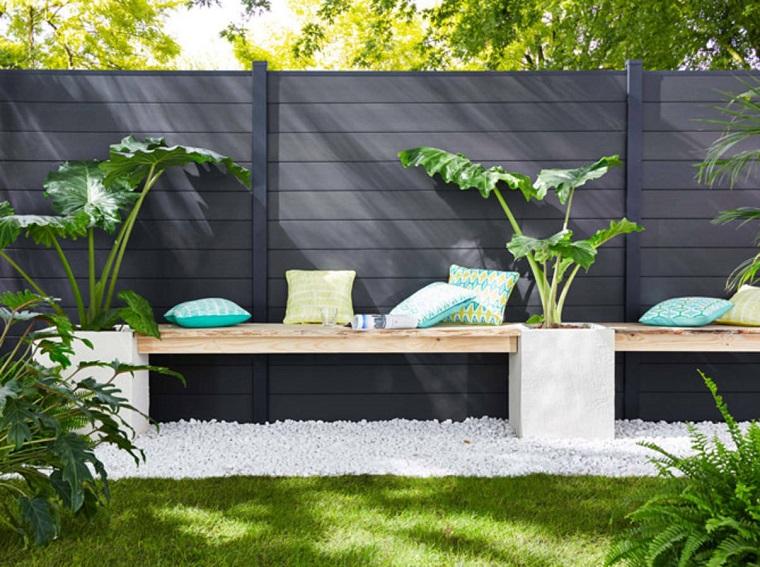 decorazioni giardino panchina legno cuscini colorati