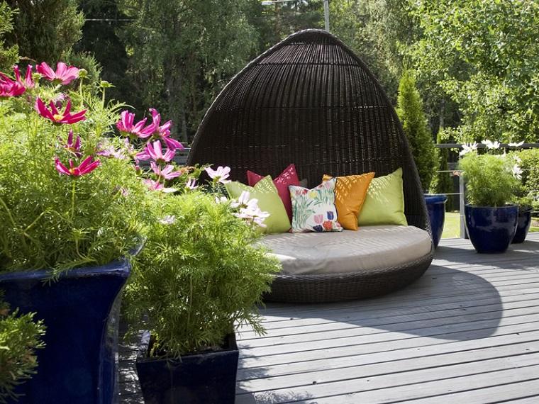 decorazioni per giardino divano esterno cuscini
