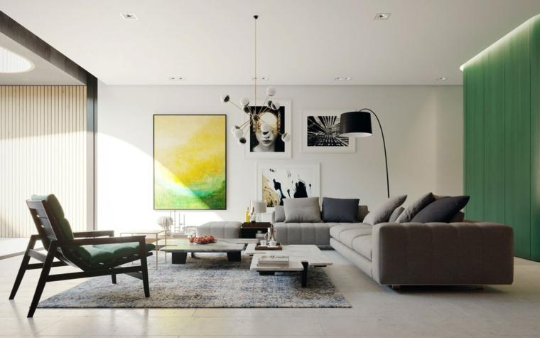 Parete attrezzata moderna, divano di colore grigio, set di tavolini bassi