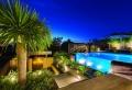 Giardini con piscina – 24 idee molto chic e all'avanguardia!