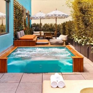 Giardini con sassi tante idee per valorizzare lo spazio esterno - Giardini con piscina ...