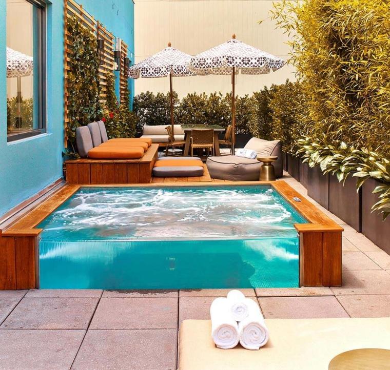 Giardini con piscina 24 idee molto chic e all for Piscine da giardino