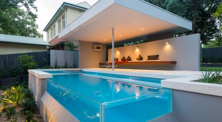 giardini con piscina suggerimento particolare area verde