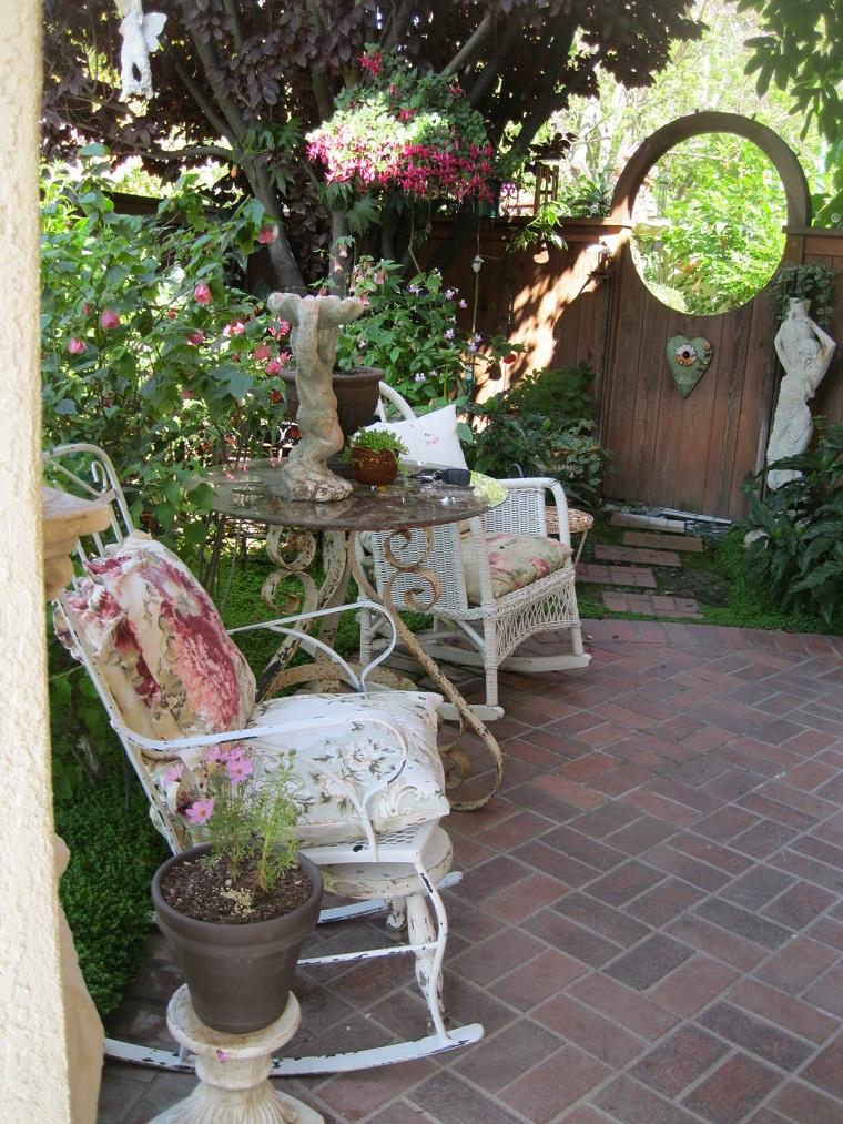 giardini shabby chic sedie vimini