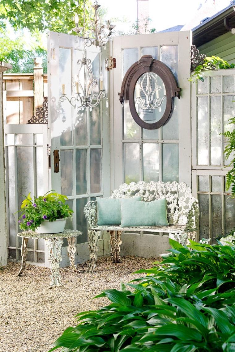 giardino shabby chic angolo relax