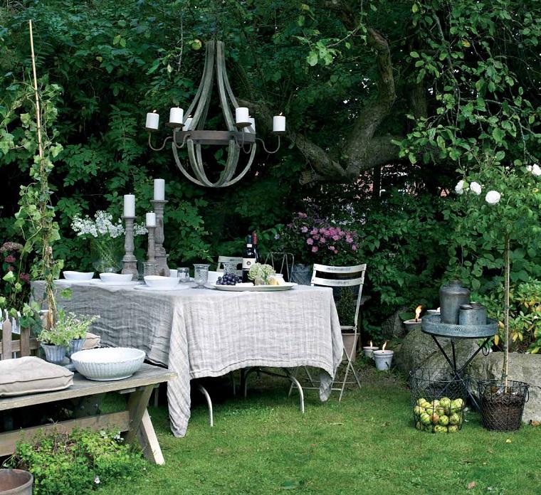 giardino shabby chic tavolo pranzo