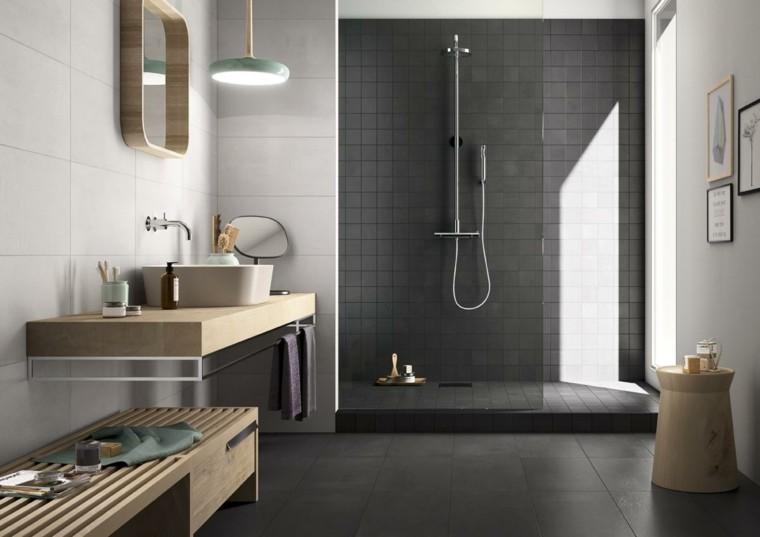 Bagno grigio suggerimenti particolari per un ambiente da for Arredamento particolare