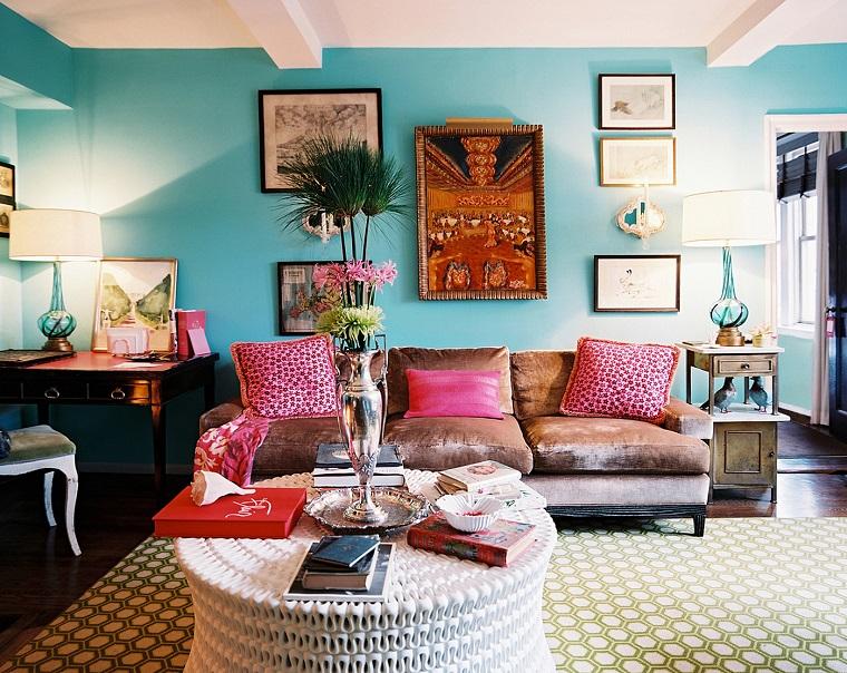 mobili etnici proposta salotto parete azzurra