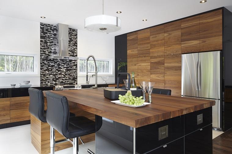 mobili moderni cucina neri inserti legno
