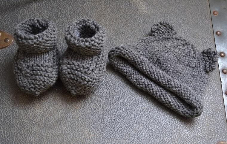 regalo calzini cappellino maglia fai da te