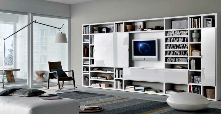 soggiorno arredato design contemporaneo libreria molto grande