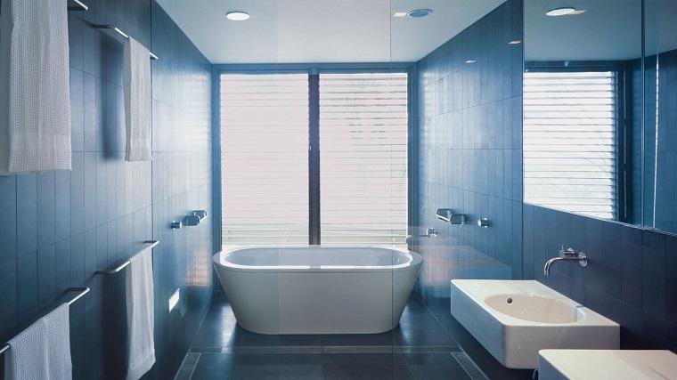 Arredamento minimal idee e composizioni per ogni ambiente della casa - Bagno arredamento piastrelle ...