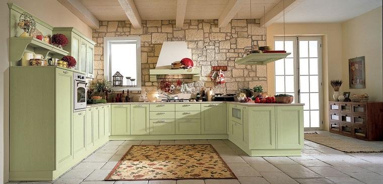 stile provenzale cucina parete muratura