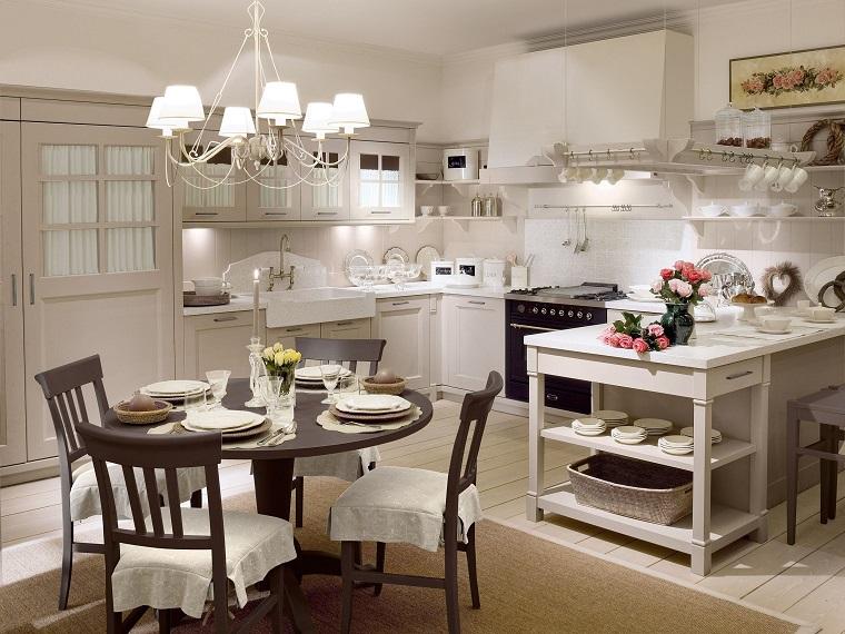 Soggiorno provenzale mobili pareti e pavimenti tavolo cucina