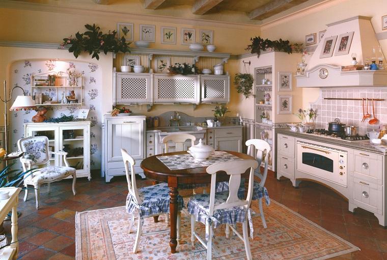 stile provenzale mobili cucina dettagli floreali