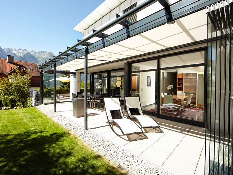 veranda coperta vetro design semplice elegante