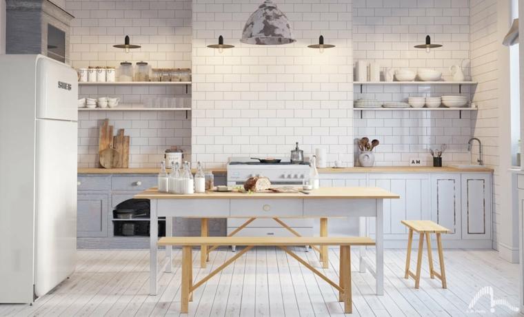 Cucina bianca e grigia, parete cucina in piastrelle bianche, tavolo di legno con panchina