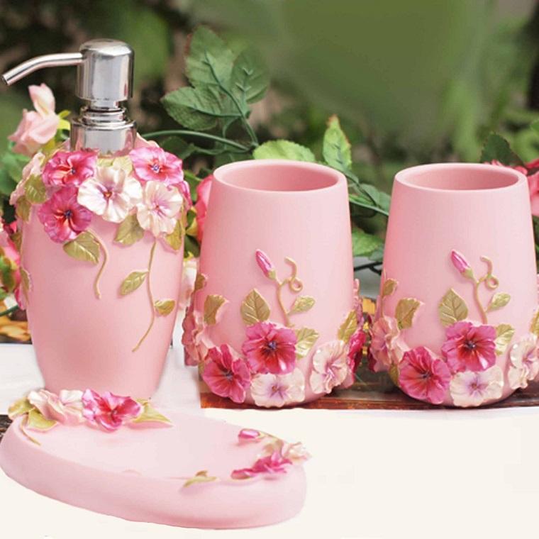 accessori bagno colore rosa stile shabby chic