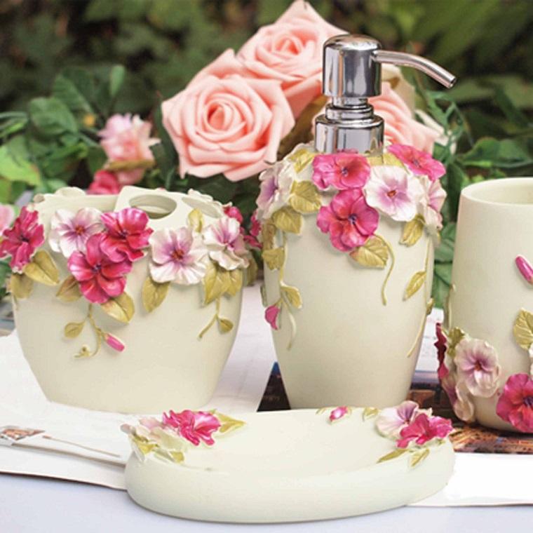accessori bagno stile shabby colore bianco tanti fiori