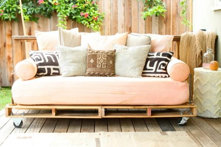 arredamento con bancali soluzione fai da te giardino