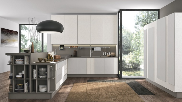 arredamento cucina colore bianco grigio lampadario originale