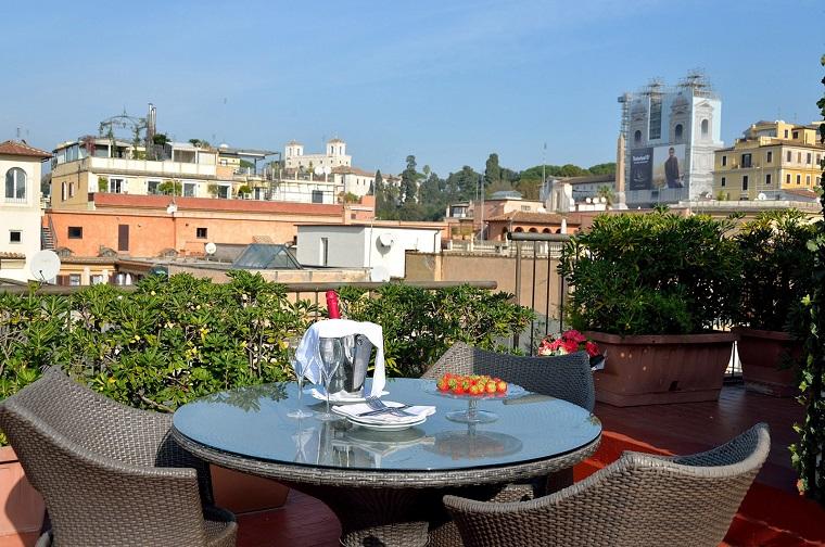 Terrazzi e balconi tante idee trendy per un esterno for Ovvio arredamento roma