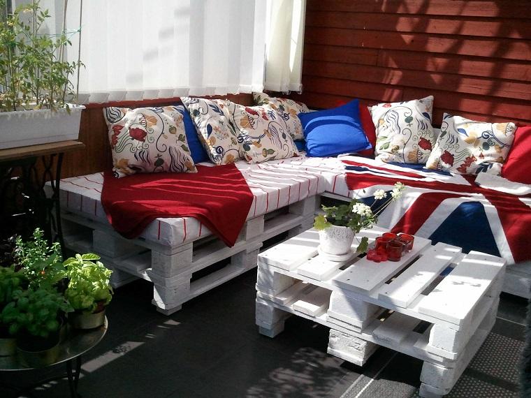 Balconi Piccoli Arredati : Terrazzi e balconi tante idee trendy per un esterno