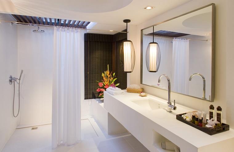 arredo bagno elegante mobili bianchi