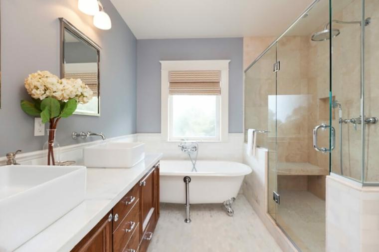 Bagno classico ecco alcuni suggerimenti per un - Arredo bagno semplice ...