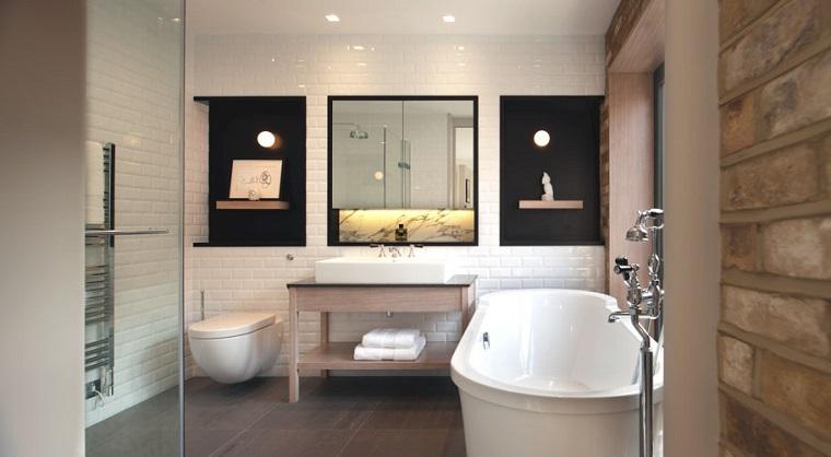 arredo bagno moderno vasca parete originale