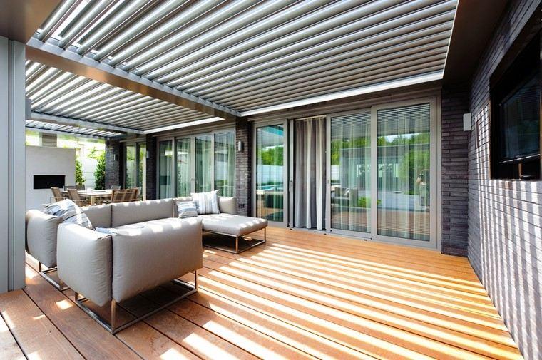 arredo esterno molto grande pavimento legno mobili design moderno