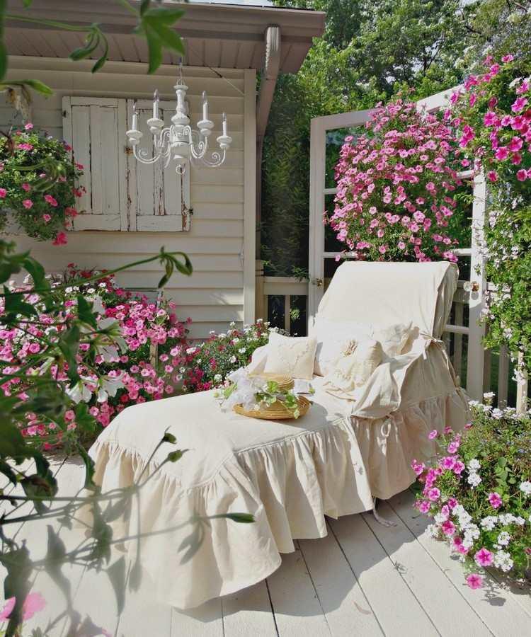 arredo giardino proposta originale decorazione area verde