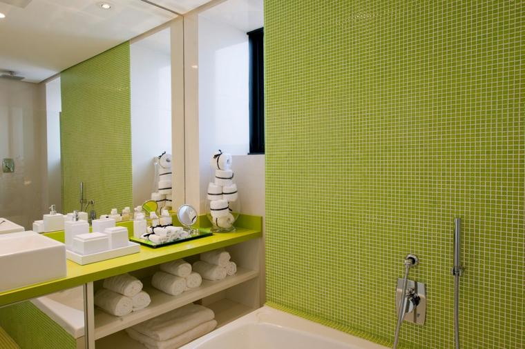 bagni con mosaico proposta vivace fresca colorata moderna