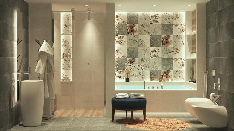 bagni eleganti proposta piastrelle decorate