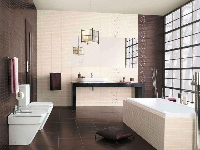 bagno arredato stile vasca rettangolare