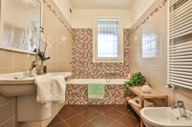 bagno con mosaico idea interessante ceramica