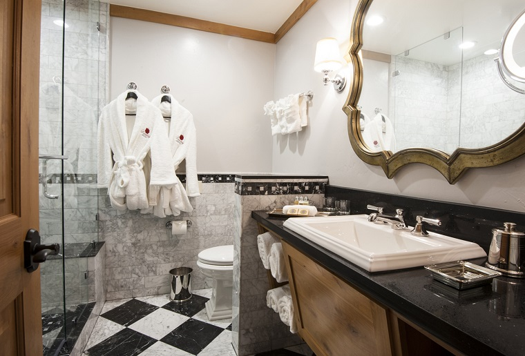 bagno elegante inserti stile classico
