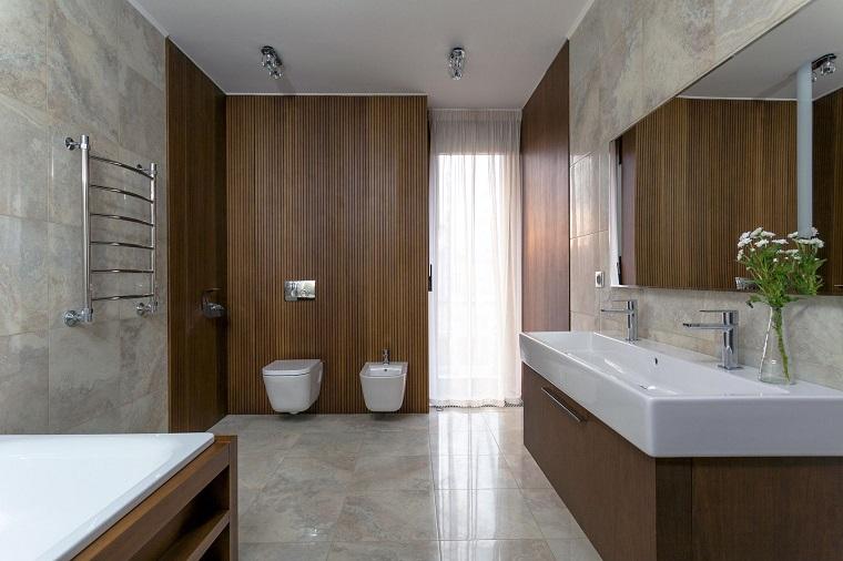 bagno moderno mobile legno vaso fiori