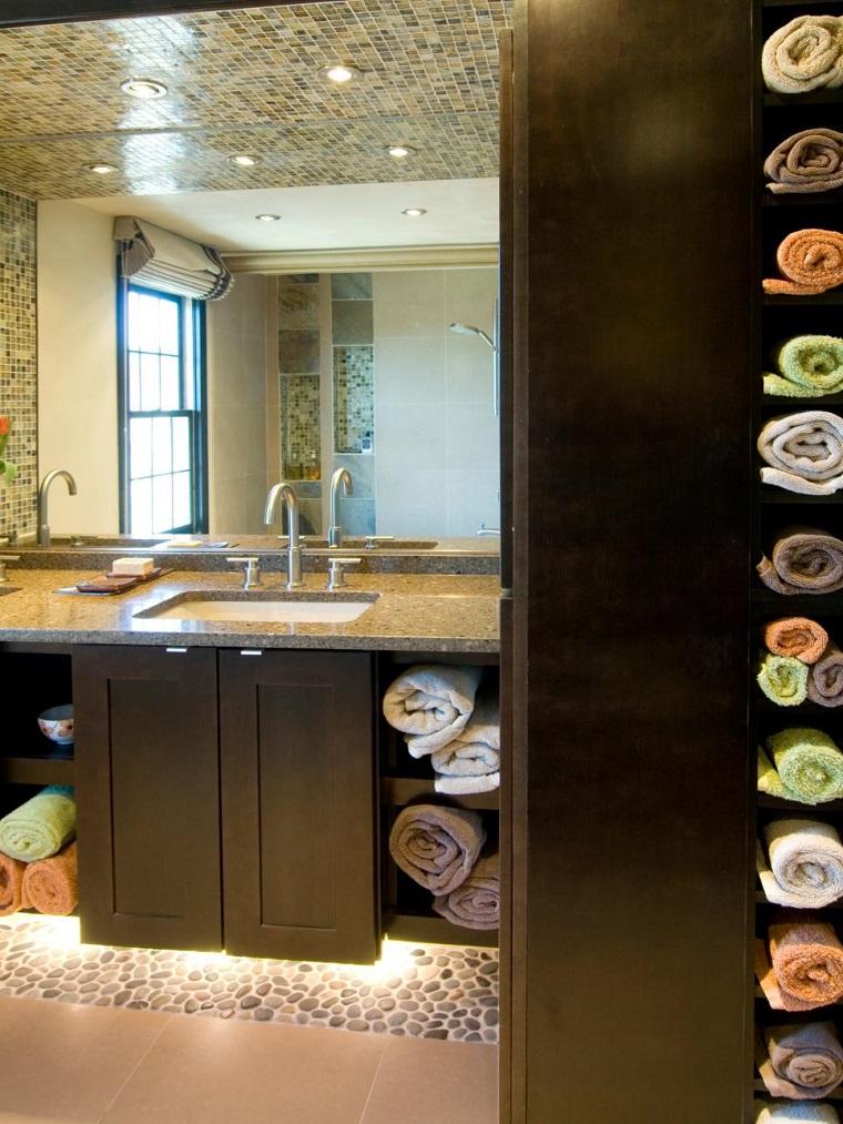 bagno moderno piccolo idea asciugamani
