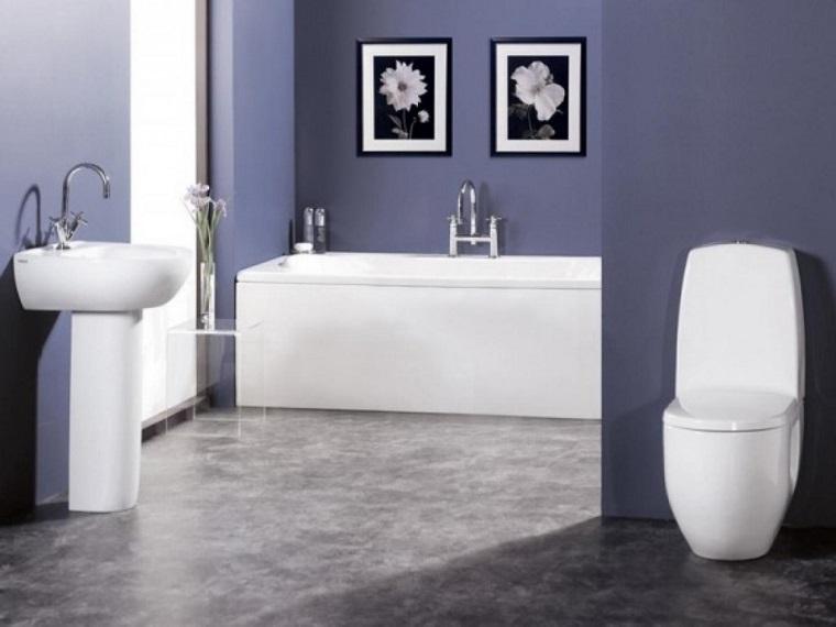 bagno moderno piccolo pareti viola pavimento grigio
