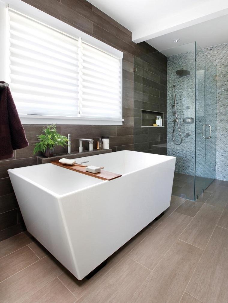 Bagno moderno 100 idee e soluzioni di design per un - Vasca bagno legno ...