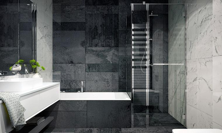 bagno moderno vasca parete particolare
