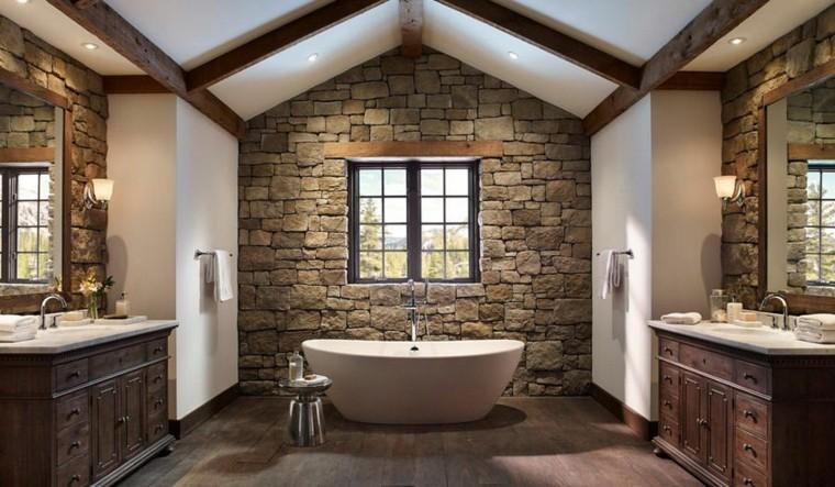 bagno rustico vasca parete pietra