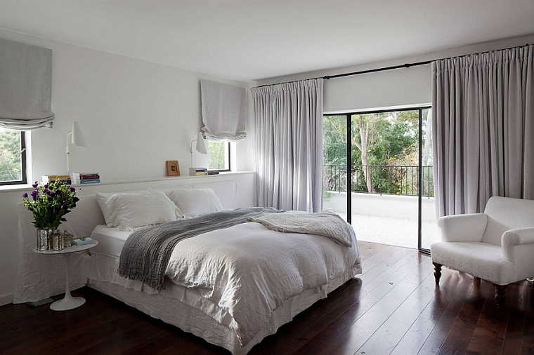 camera da letto stile anni 80 piccolo balcone