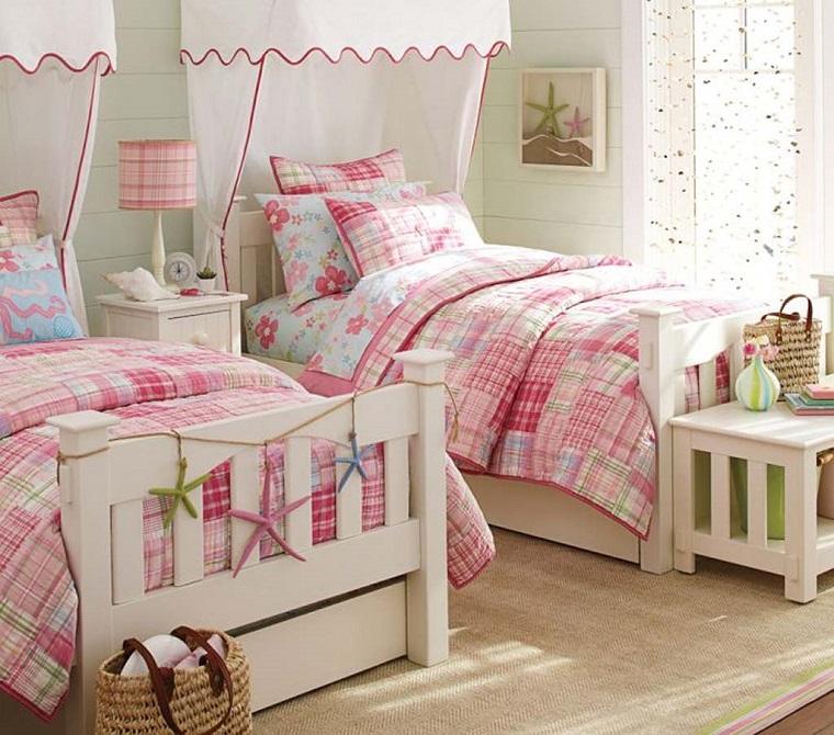 camerette per ragazze idea letti legno colore bianco tende
