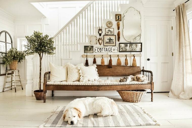 cane sul tappeto arredamento provenzale mobili ingresso casa panchina di legno