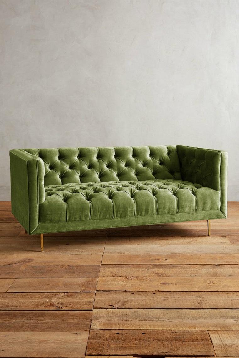 colori pantone divanetto punturato verde