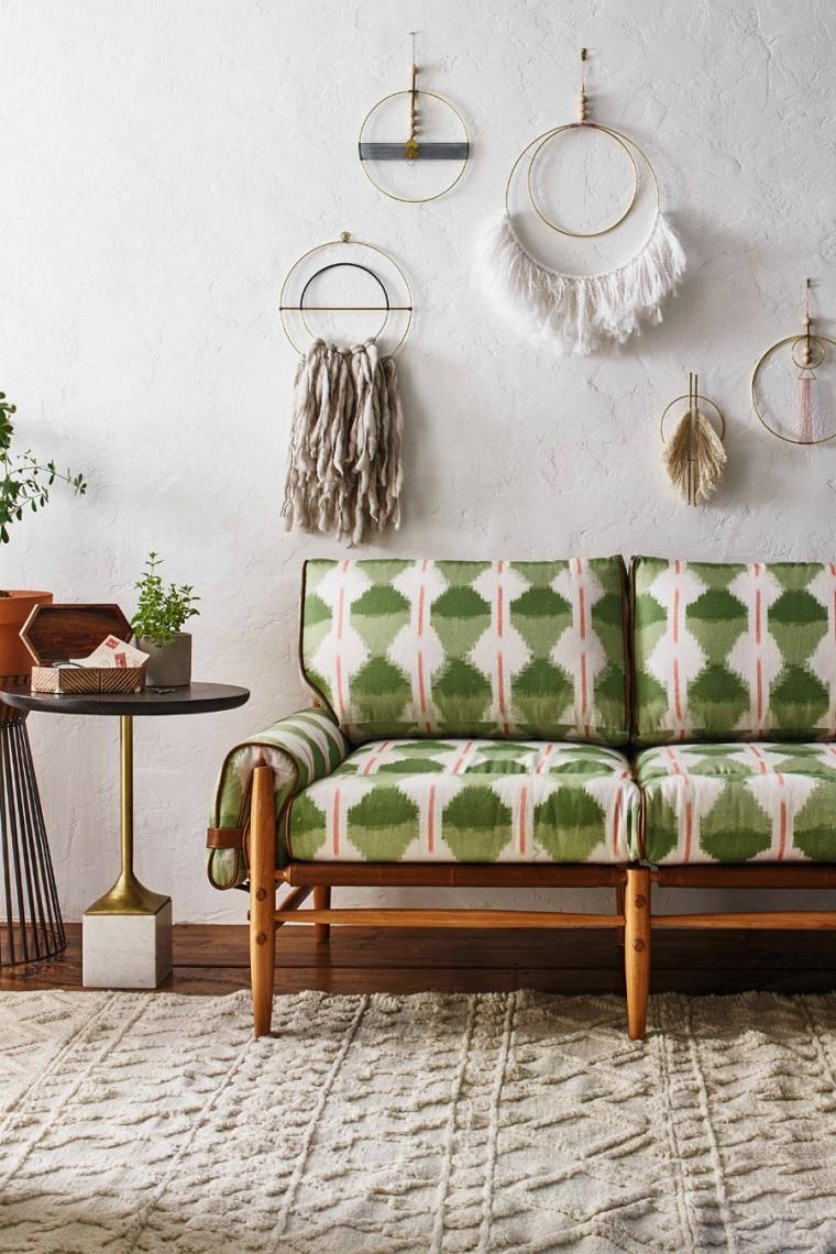 colori pantone idea soggiorno dettagli verdi