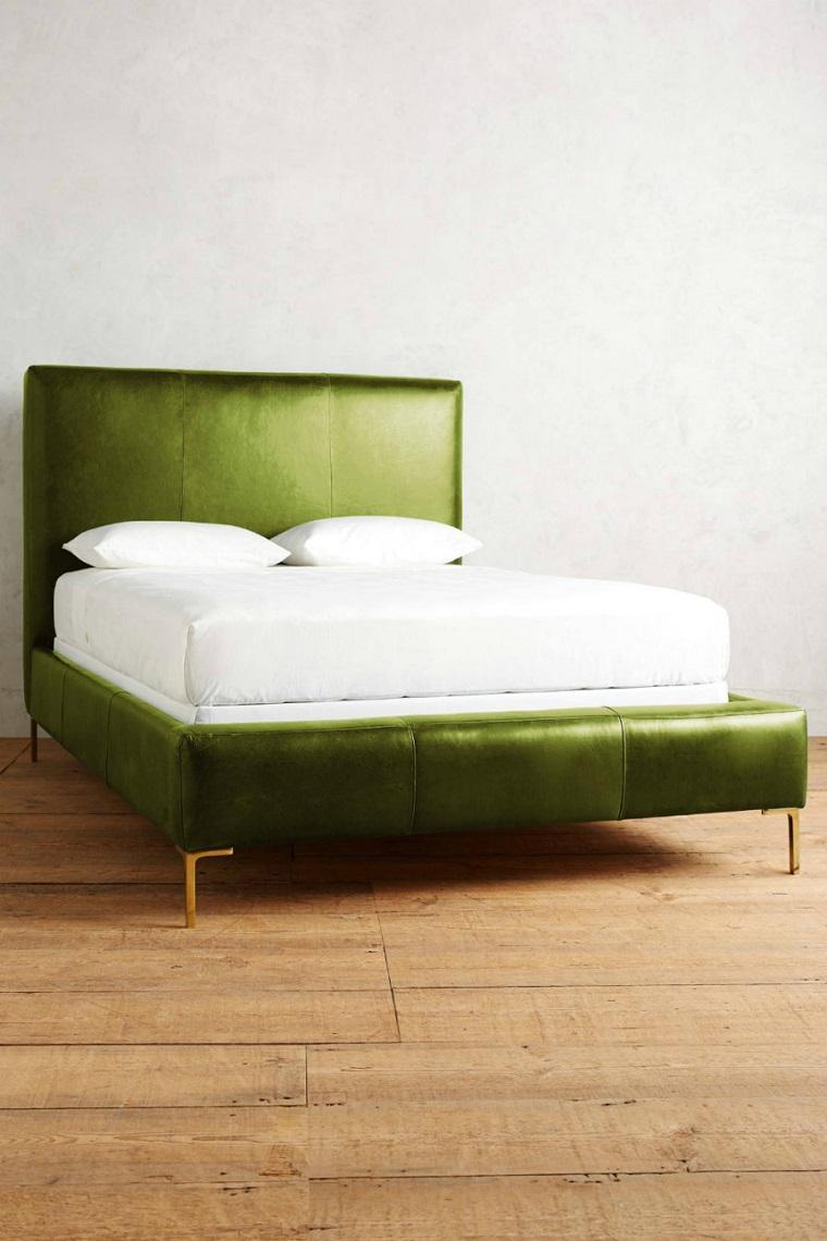 colori pantone letto pelle verde
