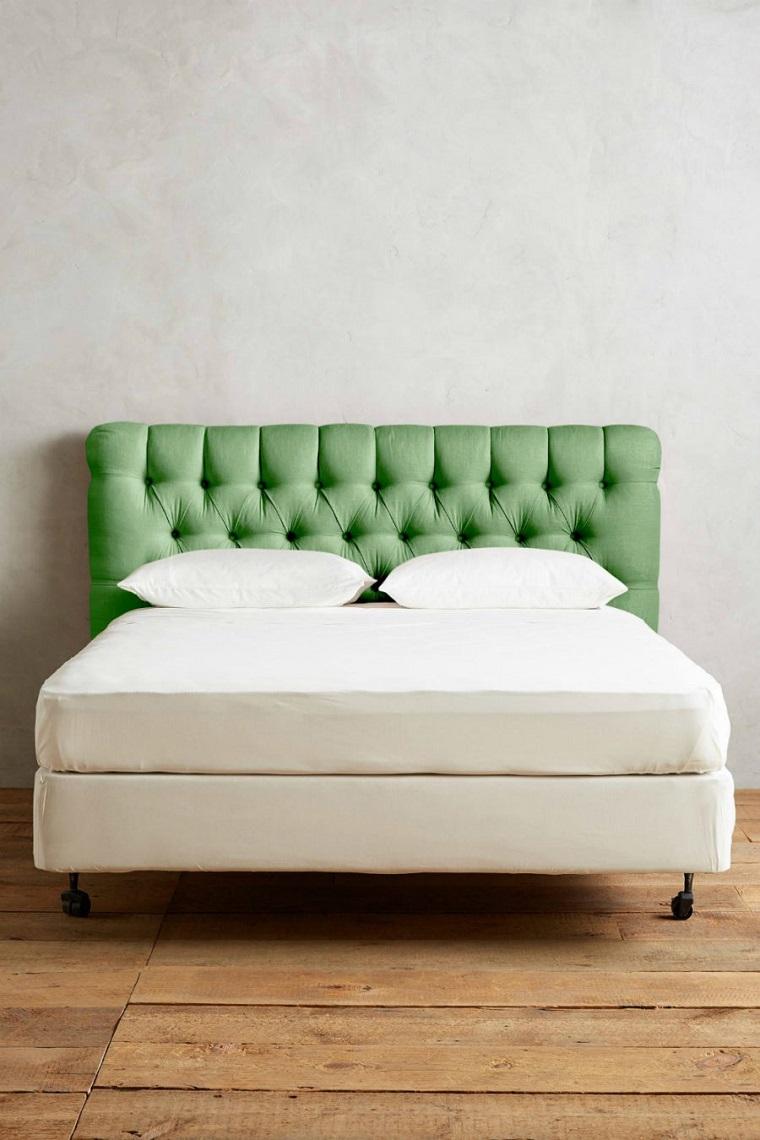 colori pantone testata letto verde